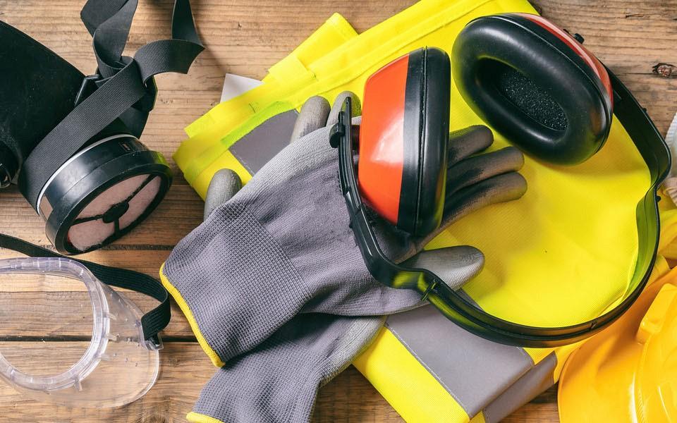 Film o obvezni uporabi zaščitne opreme (v ang. PSA-Personal Protective Equipment)